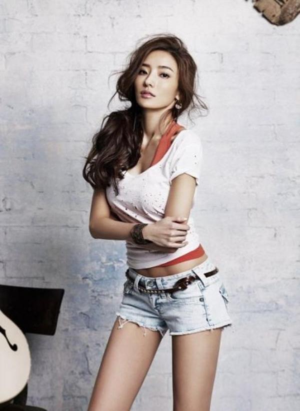 韓國最受歡迎的時尚女星─韓彩英