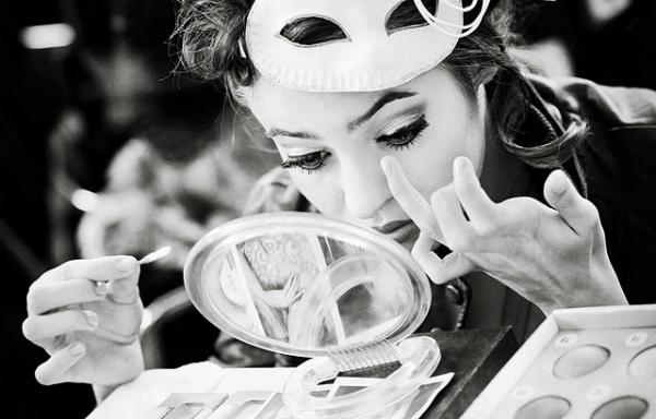 棉花棒是補妝工具的好幫手。