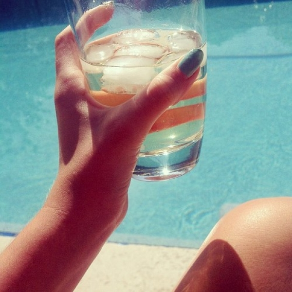 多喝水,有益新陳代謝。