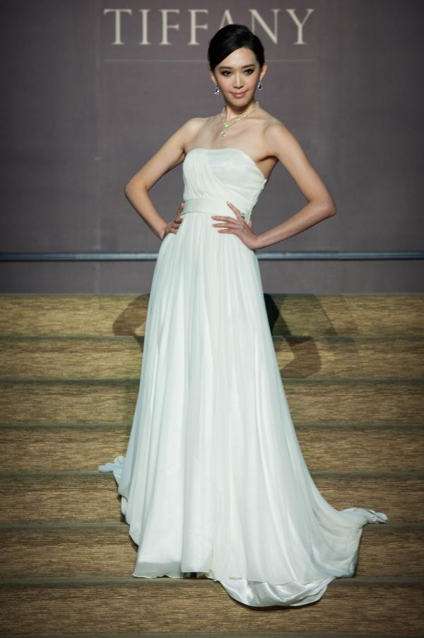 王心恬展演 Tiffany 頂級白鑽及丹泉石鑽石系列