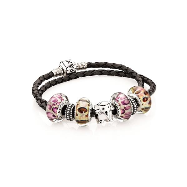 Pandora 可提供不同的吊飾,串成自己喜歡的手鍊等飾品,而單獨計算費用的半寶石吊飾,可方便控制在預算之內。
