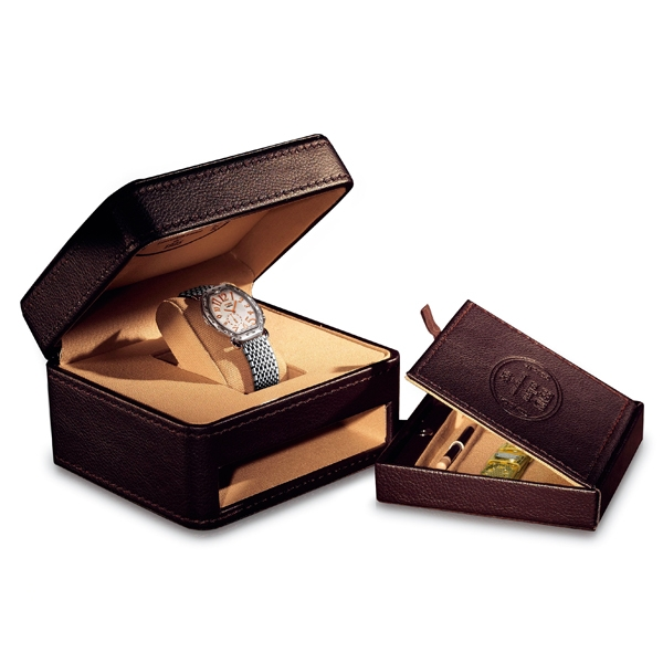 Fendi Selleria Tonneau腕錶套組,附贈的皮帶可自行更換,價格也僅5萬出頭。