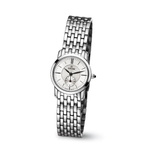 小錶徑腕錶始終是媽媽喜歡的款式,例如 Titoni 纖薄系列腕錶,錶徑僅24.5毫米。