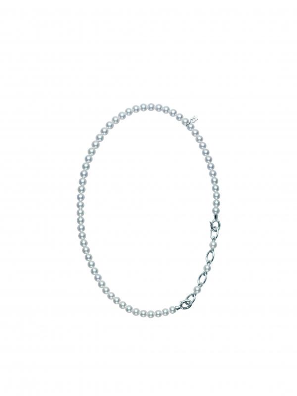 120周年真珠串鍊  特殊的釦飾設計可以扮演墜飾,也可隨意調整長度。 材質:日本珠/銀製/6.0mm以上6.5mm未滿/長約44公分/串珠項鍊約38公分  售價:NT$110,000