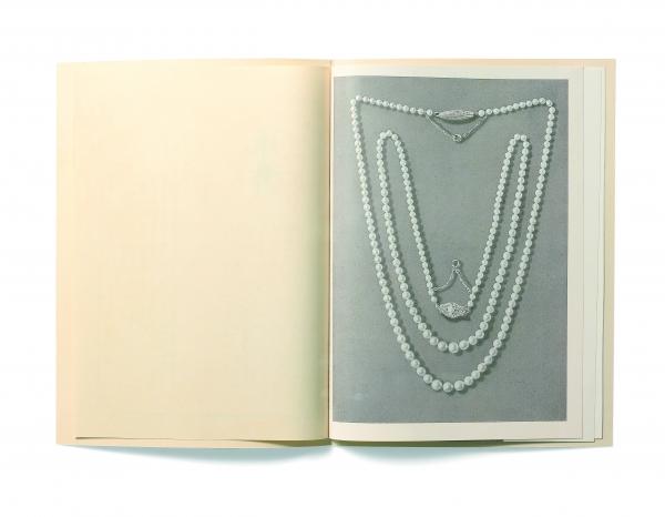 商品目錄「真珠」40号(1923年)  MIKIMOTO首件日本珠串鍊。