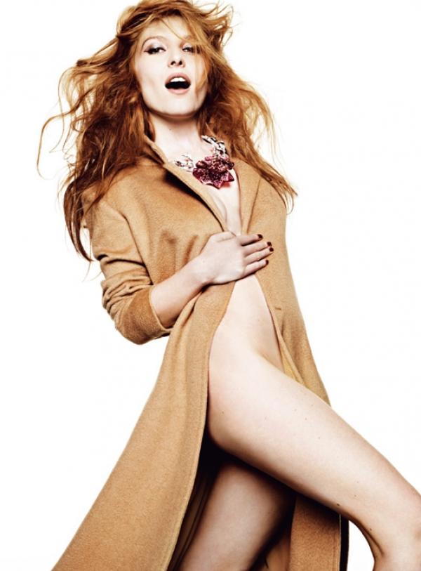 Dior的Bal de Rose系列由於造型鮮豔立體,佩戴起來亮眼十足,整個人都跟著自信起來!