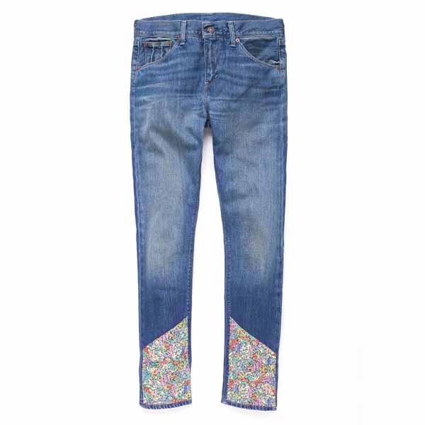 碎花丹寧拼接Boyfriend Skinny 深色水洗搭配褲腳碎花布料的拼接設計,丹寧有型再升級! $ 4,690