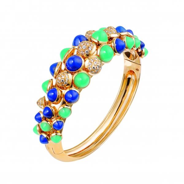 卡地亞Paris Nouvelle Vague系列Espiègle手環,黃K金鑲嵌青金石、綠玉髓與鑽石,參考價格店洽。