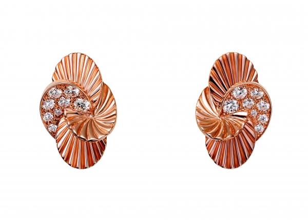 卡地亞Paris Nouvelle Vague系列Impertinente耳環,玫瑰K金鑲嵌鑽石,參考價格約NT$ 289,000。