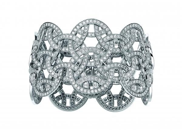 卡地亞Paris Nouvelle Vague系列Voluptueuse手環,白K金鑲嵌鑽石,參考價格店洽。
