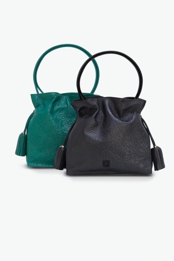 森林綠與黑色納帕革立體雕花Flamenco 30 手袋 NT$81,000.Flamenco 22 手袋 NT$73,000