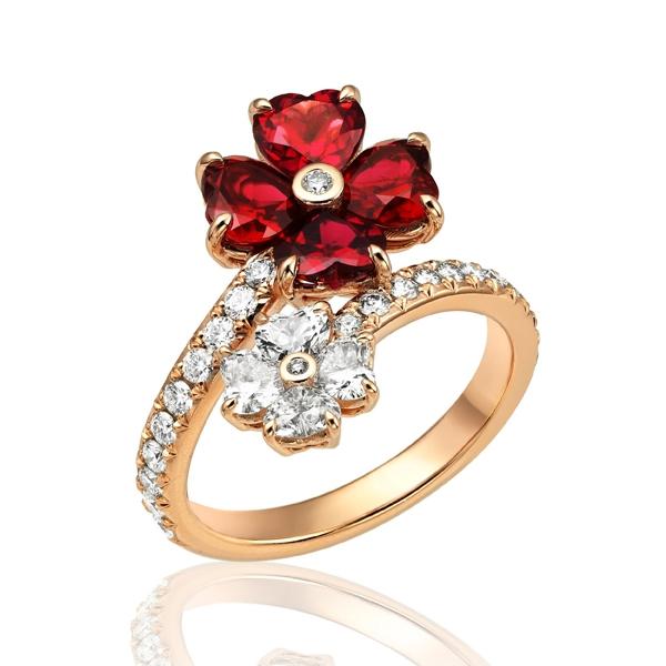 蕭邦高級珠寶For You系列戒指  18K玫瑰金戒指鑲嵌鑽石,鑲嵌4顆鑽石及4顆紅寶石。NT$803,000