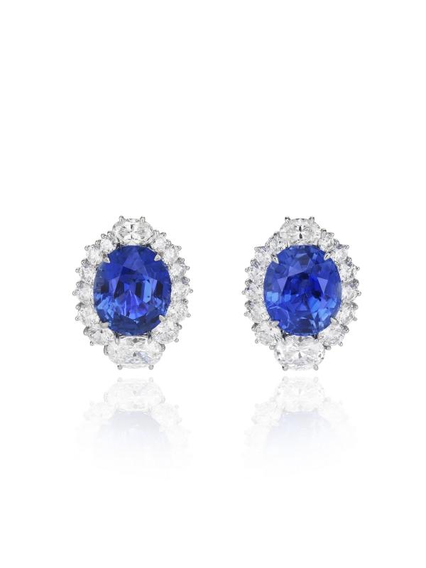 蕭邦頂級訂製珠寶耳環 18K白金材質鑲嵌2顆橢圓形切割藍寶石共重20克拉、橢圓形切割鑽石重3克拉及明亮形切割鑽石重3克拉 價格請洽蕭邦精品店