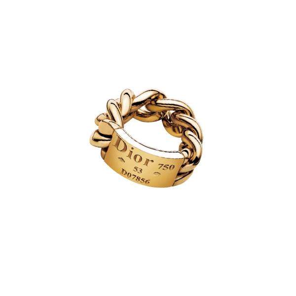 Dior Joaillerie Gourmette de Dior 18黃K金 戒環,77,000元。