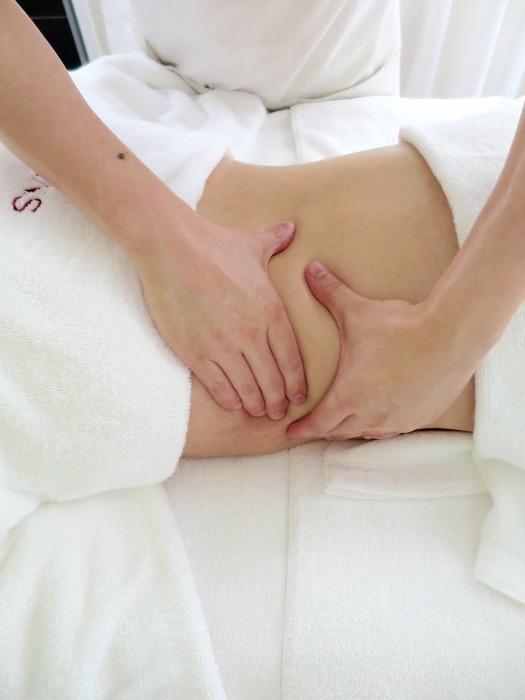 後腰背的贅肉,以及臀部曲線,也都是體塑的加強重點。