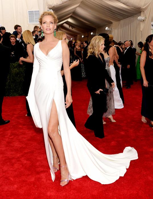 西洋女星在參加重大宴會、頒獎典禮時,聽說都還會去做足事前的除毛美體、Spa護膚,穿起名牌禮服才更顯巨星風範呀~Uma Thurman(圖/Anna Hu)