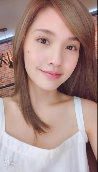 楊丞琳的自然眉型超美!和刻意的粗眉比起更具質感。
