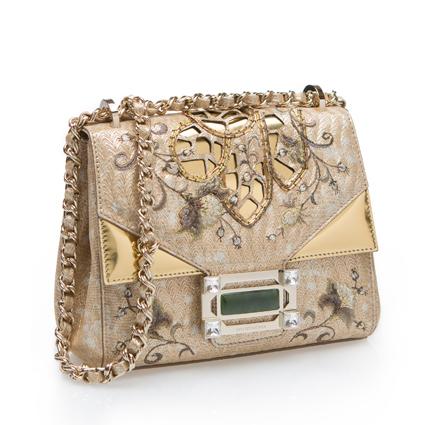 玩味結構系列刺繡金屬鍊包,49800元元。