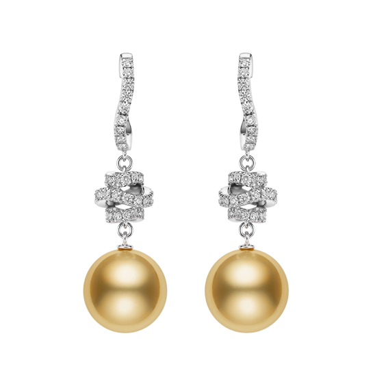 MIKIMOTO Day and Night 系列,南洋黃金珍珠18K白金鑽石串鍊,1,450,000元。