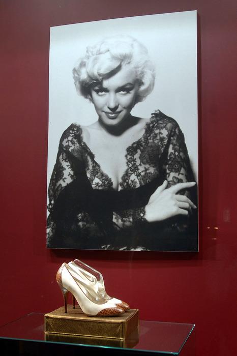 Salvatore Ferragamo 先生有好萊嵨巨星專屬鞋匠的美稱。