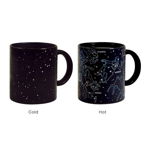 只要喝上一杯熱茶或是咖啡,就能看到整片的星空。