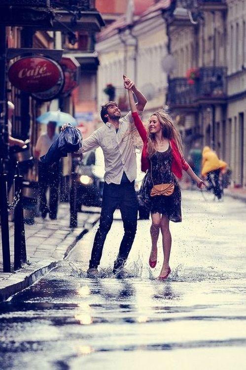 即使下著雨,也不會影響我們在一起的愉悅和幸福。