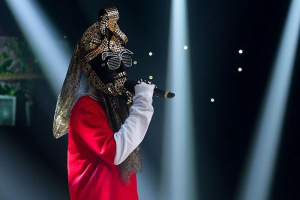 雖然他帶上了化生房面具,但還是有些網友認出他來。