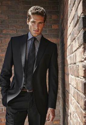 說到金融商界,就會自然聯想到華爾街上穿著襯衫打著領帶的精英形象。