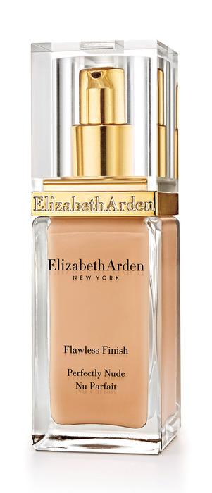 Elizabeth Arden完美紐約水潤絲緞粉底液SPF15,30ml,1,600元。