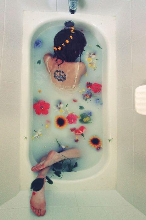 溫水洗澡,定期去角質