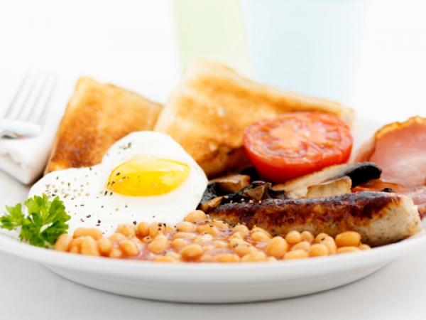 吃大份量早餐