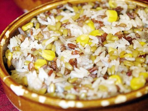 主食盡量選擇五穀飯而不是白米飯