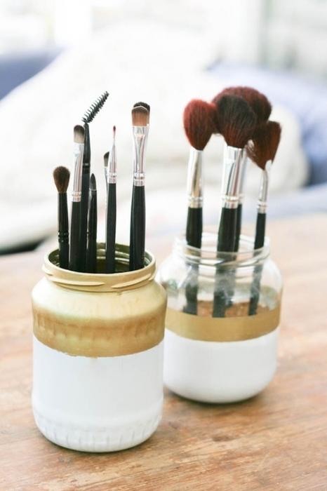 收納創意巧思 讓化妝檯大變身