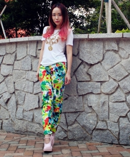 Versace Jeans golden chain tee JessicaRED floral pants Alexander Wang mary jane heels