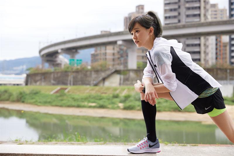 跑出妳的第一步!陳意涵女神級美腿秘訣:跑步後一定要做這3件事!
