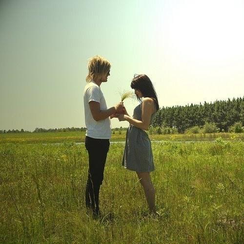 但愛情就是這樣突如其來,你未反應過來,便已擠身在甜蜜的氣泡中